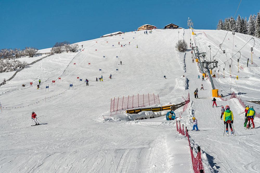 dorflift-skiurlaub-bauernhof-vacanze-sciistiche-agriturismo-plan-de-corones