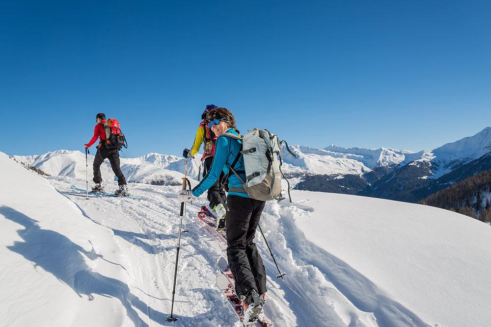 skitour-vacanze-sciistiche-agriturismo-plan-de-corones-skiing-vacation-farm